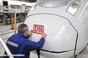 Siemens увольняет руководителя подразделения по производству поездов за задержки поставок новых составов концерну Deutsche Bahn.