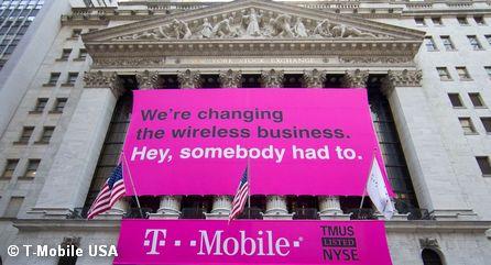 Реклама T-Mobile USA на здании Нью-Йоркской фондовой биржи