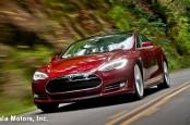 Американский производитель электромобилей Tesla наладил поставку продукции в Европу, оснастив ее SIM-картами.