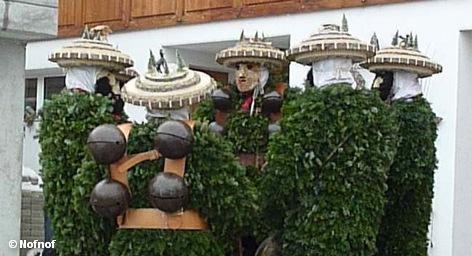 Один раз в год швейцарская деревня Урнэш становится известной на весь мир: каждый год 13 […]