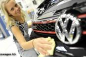 Топ-менеджмент Volkswagen рад бы притормозить, но ноги на педалях управления предприятием они не держат.