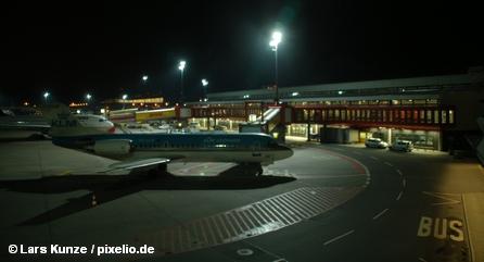Берлинский аэропорт «Тегель» ночью