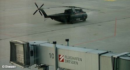 Посадочный трап на летном поле аэропорта Дрездена