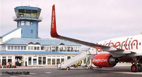 Самолет авиакомпании Air Berlin в аэропорту Зюльта