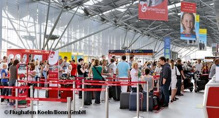 Очередь на регистрацию в аэропорту Кельна/Бонна