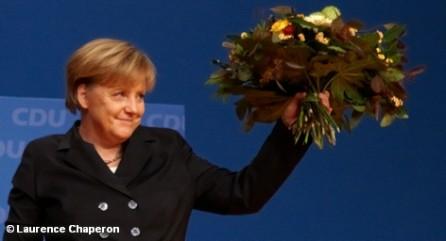 Христианские демократы, возглавляемые фрау Меркель, совсем не стремятся восстановить принцип ответственности экономического неолиберализма.