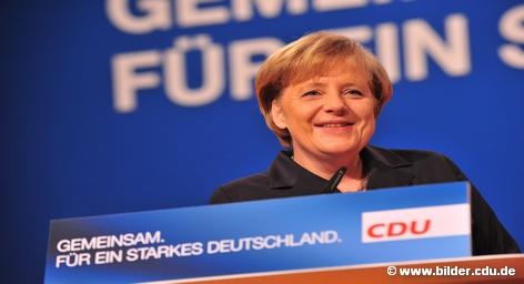 Канцлер ФРГ Ангела Меркель придерживается концепции поэтапного отказа от ядерной энергетики и намерена отказаться от намеченного в прошлом году продления срока службы немецких АЭС. Политически это означает возвращение к идеям ее предшественника Герхарда Шредера, а экономически оставляет энергетическим компаниям страны большое свободное поле для дальнейшей игры.