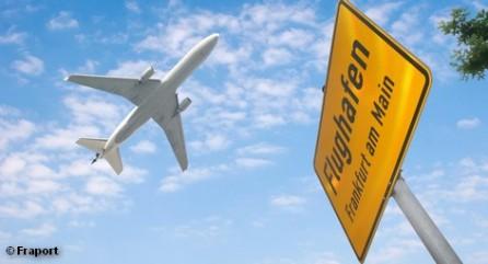 Каждый день забастовки обходится аэропорту во Франкфурте-на-Майне примерно в 1 миллиона евро. Авиакомпания Lufthansa, для которой эта воздушная гавань является домашней, несет еще большие потери. Стачка должна продлиться до четверга, а проводящий ее профсоюз GdF подумывает о расширении трудовой борьбы. По мнению его лидеров, 200 бастующих это слишком мало, надо бы увеличить их число до 3 тысяч сотрудников.