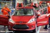 Ford по причине общих проблем отрасли, связанных с долговым кризисом в Евросоюзе, испытывает трудности со сбытом готовой продукции.