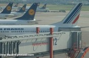 Авиакомпании Lufthansa и Air Berlin, а также аэропорт Франкфурта-на-Майне намерены продолжать добиваться возмещения ущерба от забастовок.