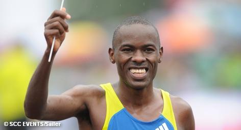 На прошедшем на минувших выходных в столице Германии марафоне установлен новый мировой рекорд для мужчин. Кениец Патрик Макау выиграл второй год подряд это состязание, установив новый мировой рекорд: 2 ч. 3 мин. 38 сек. Таким образом он улучшил также установленный в Берлине в 2008 году предыдущий рекорд эфиопского спортсмена Ха́йле Гебресела́ссие на 21 секунду.