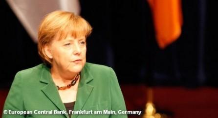 Ангела Меркель посетит Ватикан. Наблюдатели не сомневаются, что она обсудит Папой Франциском тему уклонения от налогов и отмывания денег.