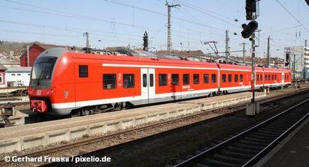 Региональный поезд концерна Немецких железных дорог Deutsche Bahn