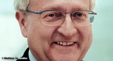 Тем временем, министр экономики ФРГ Райнер Брюдерле, выступая сегодня в парламенте страны, заявил: «Экономика Германии […]
