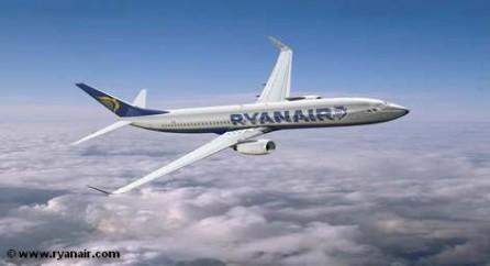 Бюджетный авиаперевозчик Ryanair намерен в марте 2014 года начнет перевозки по маршрутам Дублин - Москва и Дублин - Санкт-Петербург.