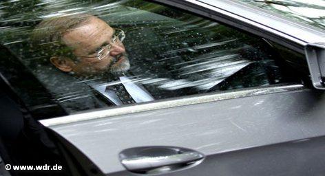 Разгневанные жители Дуйсбурга требуют отставки бургомистра этого города Адольфа Зауэрланда. Они считают его виновником трагедии, […]