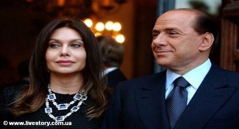 Супруга итальянского премьера Вероника Ларио покинула принадлежащую Сильвио Берлускони виллу Belvedere в местечке Макерио , […]