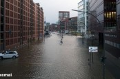 """Ураган """"Ксавьер"""" может обойтись страховщикам в сумму от 700 млн. до 1,4 млрд. евро. Неудивительно, что они задумались о повышении тарифов."""